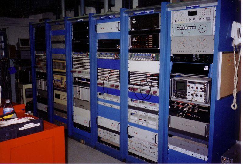 MBS/AP radio uplink racks
